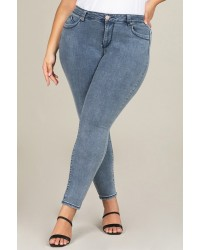 PLUS SIZE DENIM